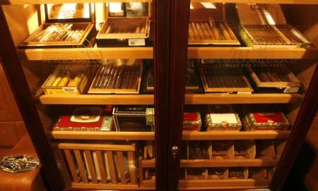 Mobile Cigar Lounge Humidor